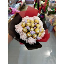 Ferrero Rocher Chocolate Flower+Foam Flower Bouquet