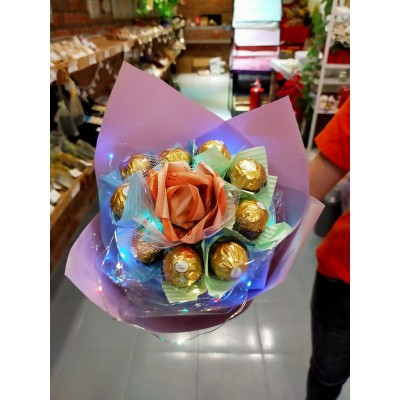 Cash+Chocolate Flower Bouqeut -Free LED Lights with RM30 cash